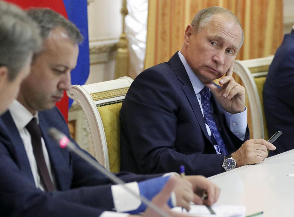 Grigorij Mesežnikov Mäkkú silu Západu vystriedala ostrá sila z Ruska TASR AP.jpeg